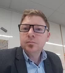 Associate Professor Chris Thompson