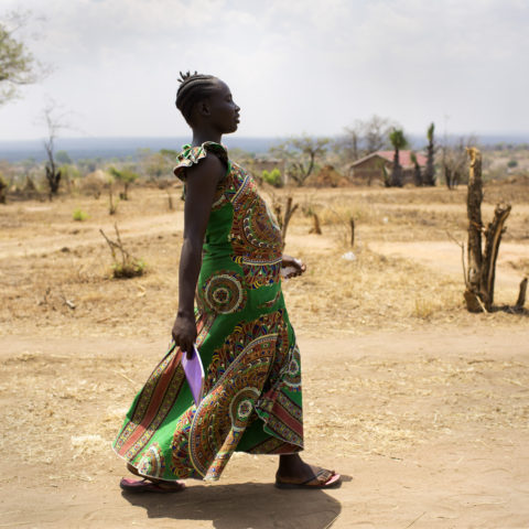 17 years old Eva is walking home after being seen by Anna the EHU (Emergency Health Unit) midwife.